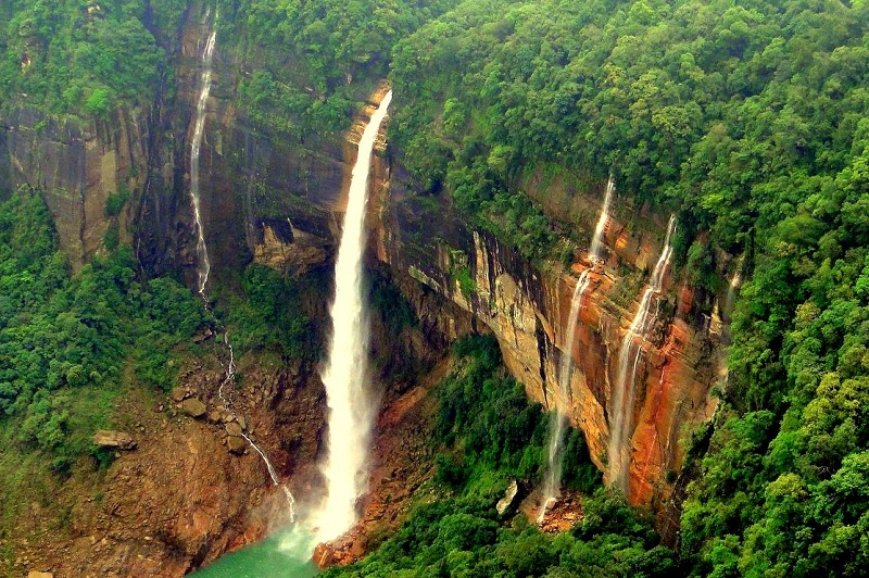 India's Highest and Most Tragic Waterfall- Nohkalikai Falls, Meghalaya