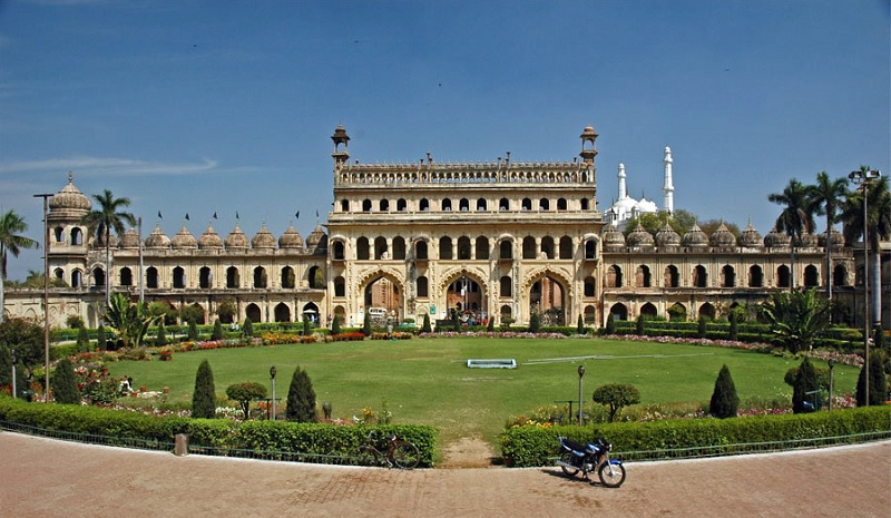 Gravity Defying Palace - Bada Imambara, Lucknow